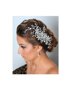 Royal Collection - Dazzling Swarovski crystal bridal comb