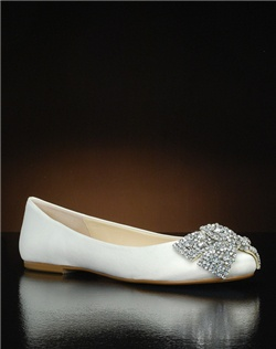 Round toe ballet flat with crystal bow toe embellishment