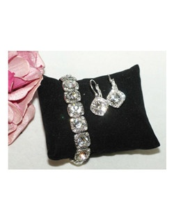 Maritza - Beautiful Swarovski crystal bracelet earring set