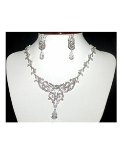 Sonya - COUTURE vintage swarovski crystal wedding necklace set