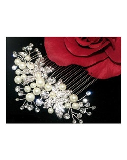Meghan - Romantic pearl crystal wedding hair comb