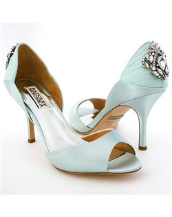 "D'Orsay style, 3"" heel, ornament at heel"