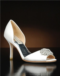 Peep toe embellished d'orsay