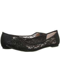 Flat W/ Lace & Stones. Heel: Flat.