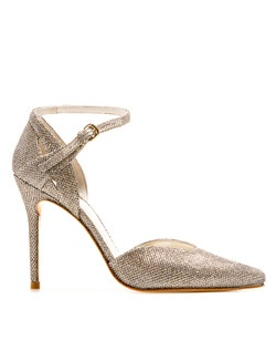 Sexy, glamorous and timeless, this pump is a true triple threat.