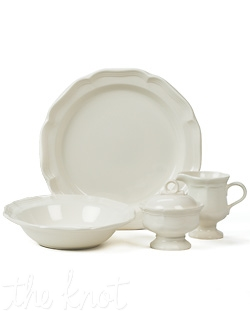 Gently scalloped edges and curves on these generous sized pieces add grace every time you set the table. Its rich cream color makes French Countryside a perfect base pattern to mix with colorful accent pieces. Dishwasher and microwave safe.