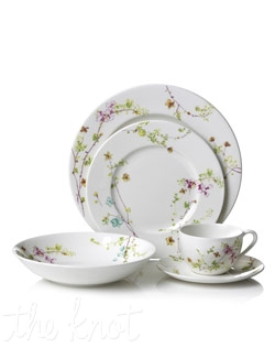 The Sketch Floral dinnerware is made of high quality porcelain and has a delightful and subtle floral design.