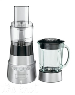 Cuisinart's SmartPower Deluxe Duet™ Blender/Food Processor is a dynamic duo that lets you do it all! The blender uses its smart power and sophisticated electronics to mince delicate herbs, whip up smoothies even chop ice. Put on the food processor work bowl to slice, shred, or chop.