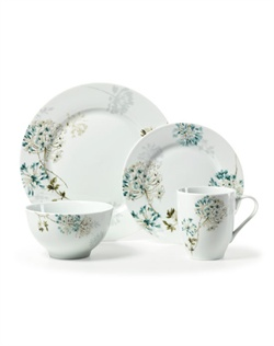 Mikasa Silk Floral Pink dinnerware features an elegantly striking design of beautiful hydrangea and chrysanthemum flowers with delicate hues and tones. Made of strong, durable porcelain, Mikasa Silk Floral Pink dinnerware is microwave and dishwasher safe.