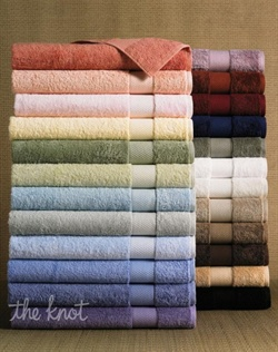 Made of long-staple pima cotton, the world's finest, these generously sized towels are the ones you've been waiting for. Beyond its classic looks, this collection is distinguished by lush softness and quality construction that allows for quick drying. In a beautiful range of colors to suit any taste.