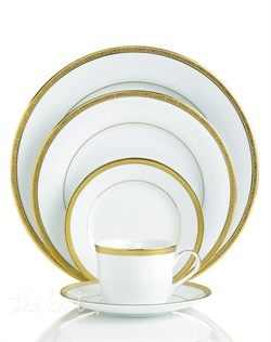 Add the warm glow of gold to your formal table with the classic style of the Charter Club Grand Buffet Gold dinnerware and dishes collection. The fine china body has a wide outer band of gold enhanced by a delicately detailed scroll pattern.