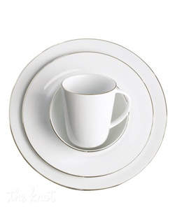 Simply elegant for everyday meals but with a platinum edge that shines on formal tables, the Fine Line Round collection is a flawless choice for every occasion, from Charter Club dinnerware. The dishes can be paired with square pieces and the modern florals of Platinum Silhouette, also from Charter Club.
