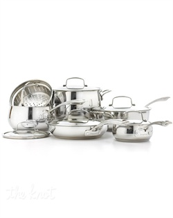 Sleek, stylish and suited for the professional chef. This stunning collection offers the versatility and over-achieving performance that every busy kitchen demands. Bell-shaped bodies enhance heat and moisture for tender, flavor-rich meals, while the aluminum-encapsulated, impact-bonded bases are ideal for quick and even heating. Lifetime warranty. 