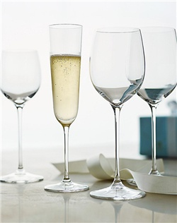 Celebrating the artistry of glassmaking pioneer Claus Riedel, these graceful wineglasses are inspired by his award-winning Exquisitstemware from the mid-20th century.