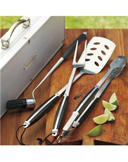 Exceptional grilling tools make grilling easier, more efficient and more successful. Ours are among the best, each one exhibiting the workmanship and performance of fine cutlery.