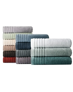 Treat yourself to pure luxury with these ultraplush Simply Vera Vera Wang bath towels.