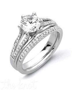 18K White Gold set Featuring .31cttw natural round white diamonds.