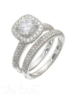 18K White Gold Set Featuring 1.00cttw natural round white diamonds.