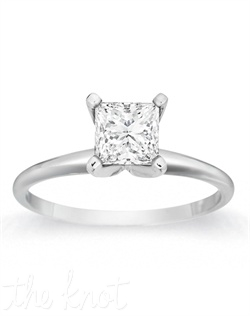 A style that is always admired, classic lines accentuate the beauty of a colorless princess stone.