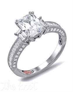 <p>Available in White Gold 18KT and Platinum. 1.11 CTW</p><br>