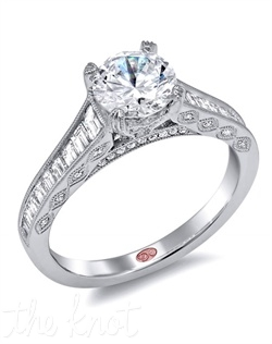 <p>Available in White Gold 18KT and Platinum. 0.71 CTW</p><br>