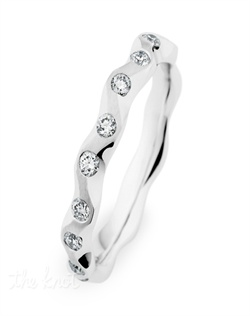 Starline ladies band, 18 Round diamonds