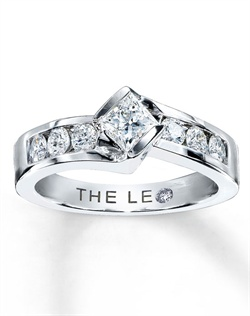 This brilliant ring for her features a captivating princess-cut Leo Diamond accented by stunning round diamonds. Set in 14K white gold with a total diamond weight of 7/8 carat, this fine jewelry ring conveys deep love and admiration. This ring features independently certified diamonds, and the unique laser-inscribed Gemscribe&#174; serial number ensures your peace of mind.