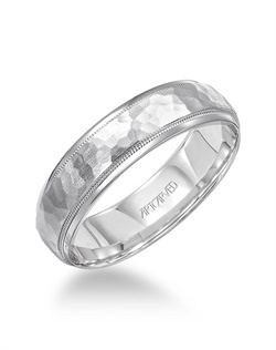 6mm wide wedding band with hammered inlay and milgrain detail.