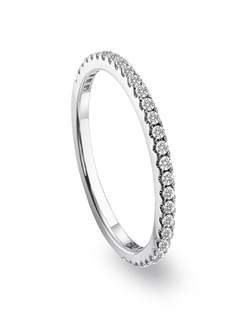 Mémoire platinum wedding band with diamonds from the Diamond Bouquets™ Collection.<BR><BR>Facebook: https://www.facebook.com/jewelryplatinum?fref=ts