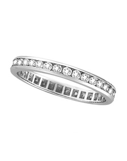 Thirty-four brilliant-cut round diamonds circling around the ring are beautifully set in elegant and sparkling channel settings.