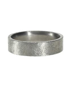 Titanium band, coining on edges - brushed finish