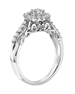14kt White Gold 5/8ctw  Ladies Engagement Ring. With Round Prong  Set diamonds