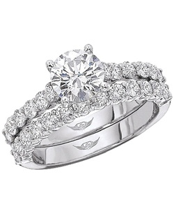 This classic style engagement ring setting by Martin Flyer features 12 round brilliant side diamonds that are set using common-prongs.<br>All FlyerFit rings are made to fit perfectly flush with almost any wedding band.