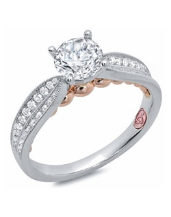 Available in White Gold 18KT and Platinum.0.29 RD.