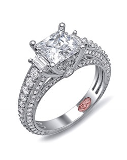 Available in White or Yellow Gold 18KT and Platinum. 1.18 CTW.