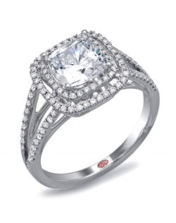 Available in White or Yellow Gold 18KT and Platinum. 0.35 RD.