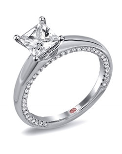 Available in White or Yellow Gold 18KT and Platinum. 0.29 RD.