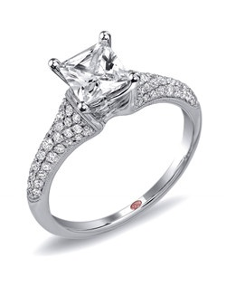Available in White or Yellow Gold 18KT and Platinum. 0.39 RD.