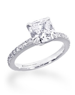 Shown in Plat with 0.25ctw of melé diamonds.(Price excludes center stone)