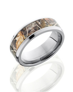 This masculine Titanium men's wedding band is 8mm wide with a custom beveled design. This ring includes a 5mm tree branch Camo pattern inlay and a polished finish. Bring out the best in him with this nature inspired ring.