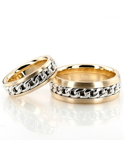 A masterpiece! This 8mm wide Hand Woven wedding ring set has a chain design at the center, and beveled edges. This wedding band is also available in 6, 7mm. Center chain is high polished. Each side is satin finished.