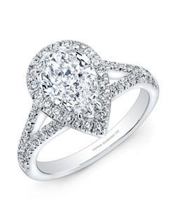 Pear-shaped diamond, 1.52 carats, with pavé; total weight 2.2 carats; white gold setting