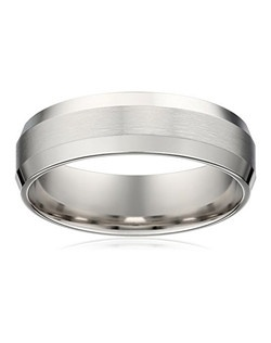 This men's 6mm comfort fit wedding band is crafted in 10 karat white gold and offers a handsome combination satin and high polish finishes. The satin center band is bordered by brightly polished beveled edges that blend into a smooth polished interior. The comfort fit design features a rounded interior that allows the ring to slide on easily and rest comfortably on the finger.