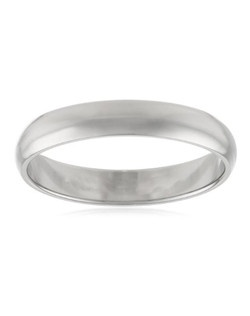 Choose a classic look with this traditional 4mm men's wedding band, made from brightly polished 10 karat white gold. The solid, plain design is simple and enduring, with rounded edges for comfortable wear.