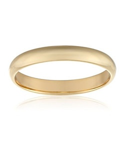 This traditional 3mm women's wedding band shines in 10 karat yellow gold. The band has a slightly rounded shape and a bright polished finish. This ring is a beautiful choice for the woman who prefers a simple, classic look.
