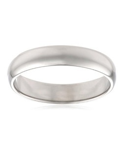 This traditional 4mm women's wedding band shines in 10 karat white gold. The band has a slightly rounded shape and a bright polished finish. This ring is a beautiful choice for the woman who prefers a simple, classic look.