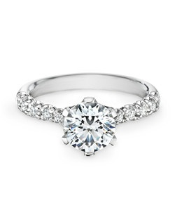 18K white gold, diamonds, round, 1.50ct center, 0.23ct total weight side stones
