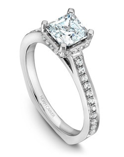 18k white gold with 42 round diamonds and a TCW of 0.26ct