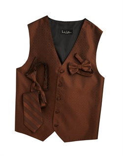 A textured diamond pattern lends modern appeal to this classic cognac brown five-button . An adjustable back strap guarantees the perfect fit.