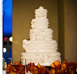 maggie s wedding cakes santa fe the s five tiered white buttercream cake was 16980